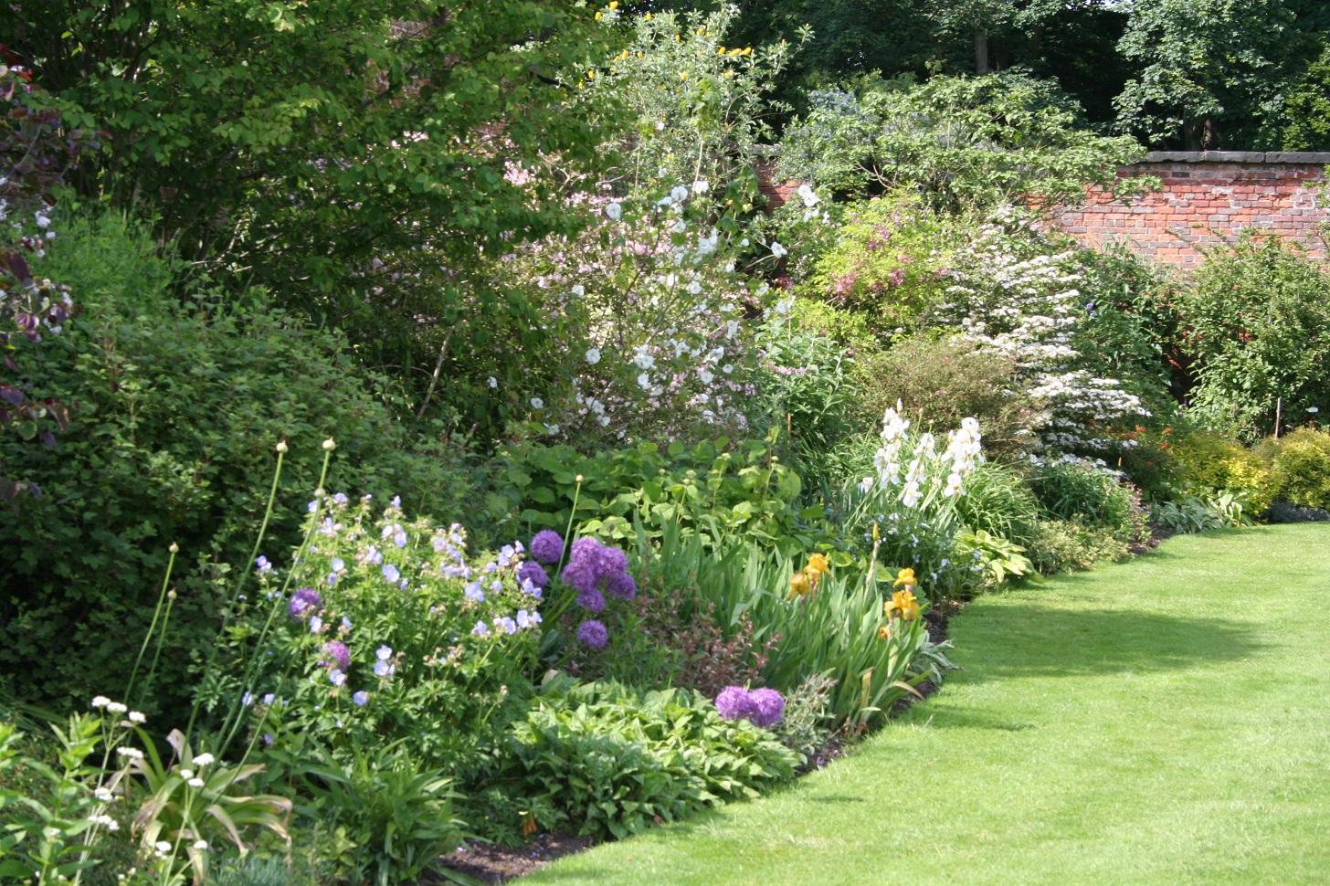 Jardin En Pente Comment Faire 15 points-clés pour réussir un nouveau massif | gamm vert