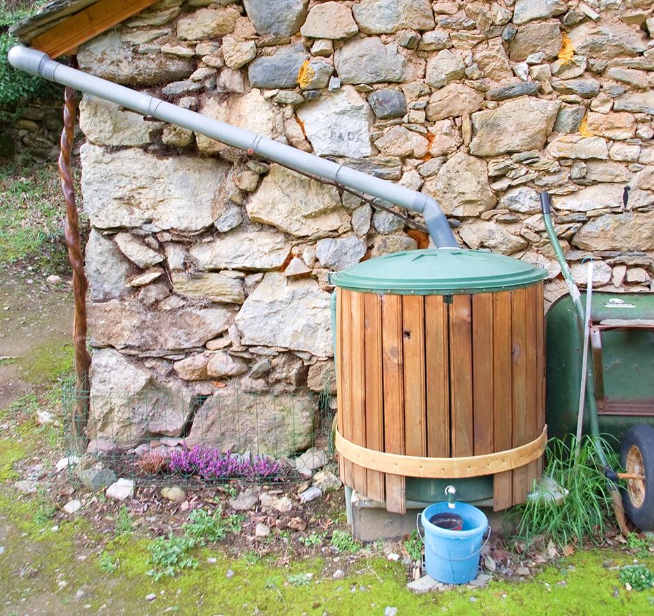 Mur Exterieur En Palette De Bois quel habillage pour une cuve de 1000 litres ?   gamm vert
