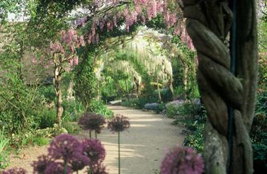 Le parc floral d 39 apremont sur allier promenades for Apremont sur allier jardin