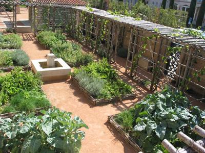 Le jardin m di val de clisson promenades for Jardin medieval
