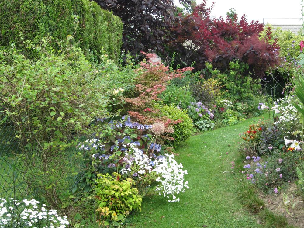 Mireille l 76550 gamm vert for Le jardin breton