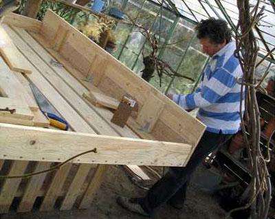 fabriquer une table de jardin maison design. Black Bedroom Furniture Sets. Home Design Ideas