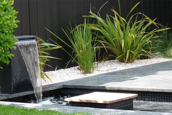 Un jardin contemporain pur avec terrasses jardins de paysagistes - Arbuste contemporain ...
