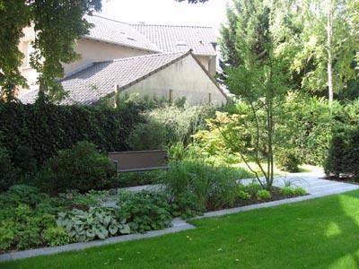 Un jardin de ville dans l est entre fantaisie et classicisme jardins de paysagistes - Terrasse surplombant mon jardin metz ...