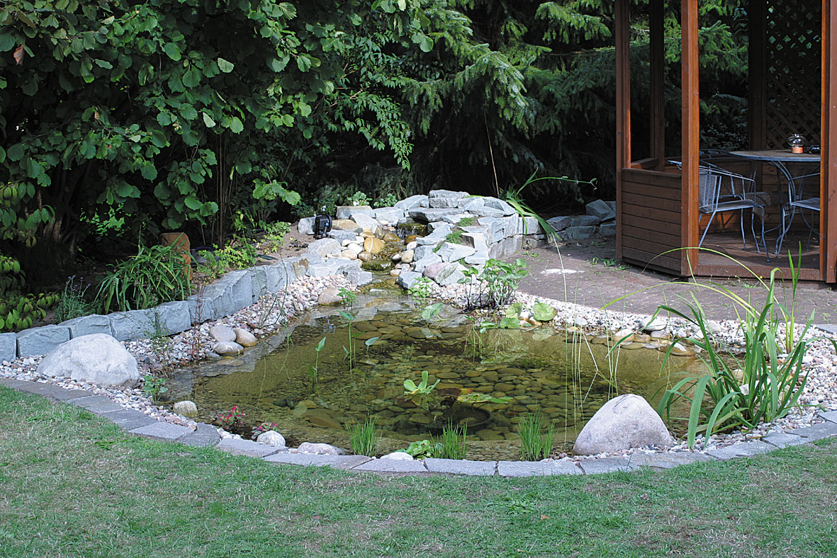 Comment Faire Un Etang Avec Une Bache installer une bâche pour bassin   gamm vert