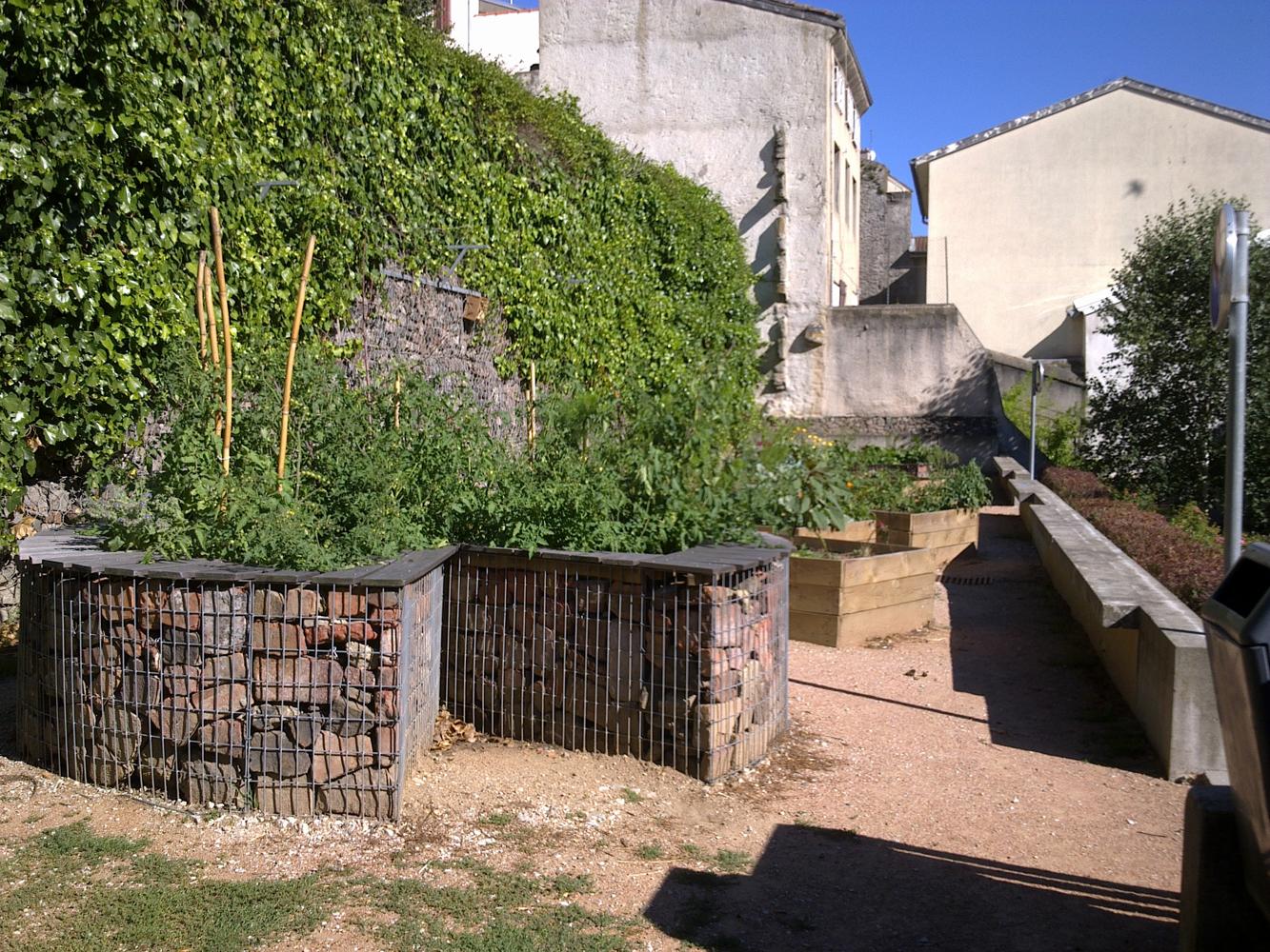 C cile rivi re 42000 gamm vert - Mobilier jardin narbonne saint etienne ...