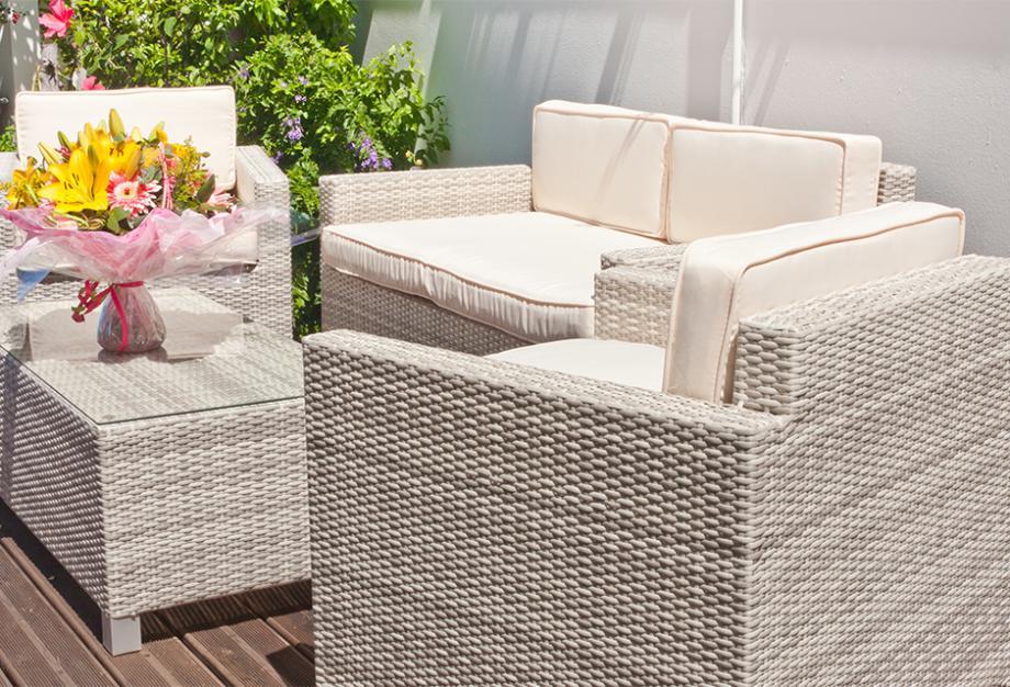 un salon de jardin confortable gamm vert. Black Bedroom Furniture Sets. Home Design Ideas