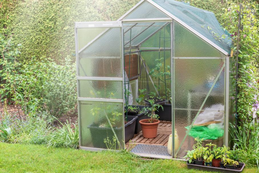 Comment fabriquer une serre de jardin en polycarbonate - Comment choisir une serre de jardin ...