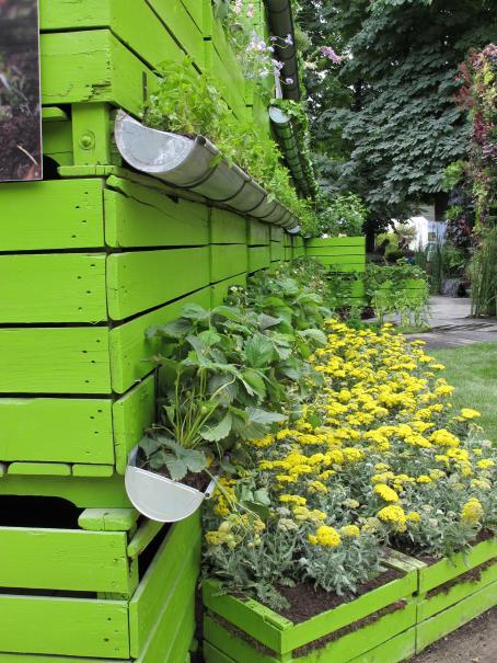 id e de r cup num ro 1 goutti res pour cultiver salades fraisiers aromatiques gamm vert. Black Bedroom Furniture Sets. Home Design Ideas