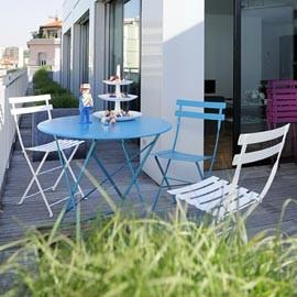 Comment entretenir son mobilier de jardin fermob le magazine gamm vert for Meuble de jardin seconde main