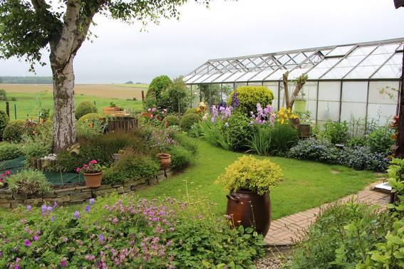 cheap grande serre de jardin with serre de jardin gamm vert. Black Bedroom Furniture Sets. Home Design Ideas