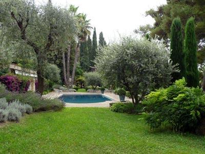 Un jardin d inspiration italienne en provence jardins de paysagistes for Amenager son jardin en provence